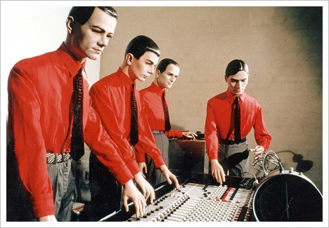 http://rollmops.files.wordpress.com/2007/03/kraftwerk.jpg