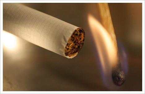 Zigarette-Feuer